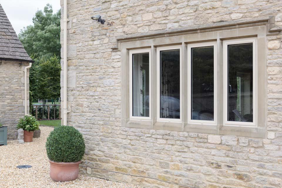 Customisable windows shaws