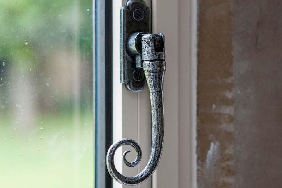 Period style aluminium window hardware