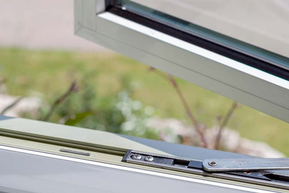 Secure windows from shaws
