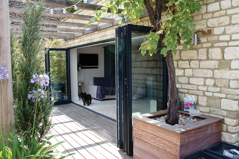 Shaws bi folds aluminium brighton