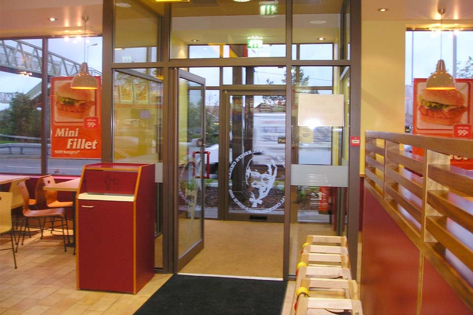 Shaws commercial entrance doors