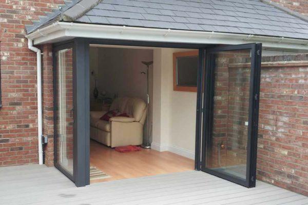 Sunflex bi folding door sf55 with corner post open