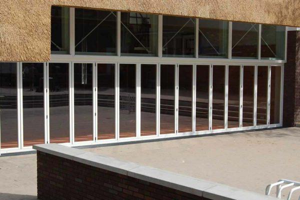 Sunflex bi folding door sf75 closed